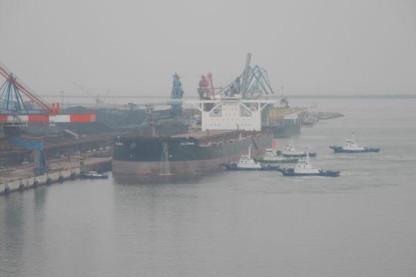 40万トン級大型船初入港